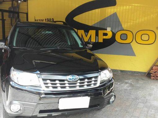 Limpeza de carros – Subaru Forester preta